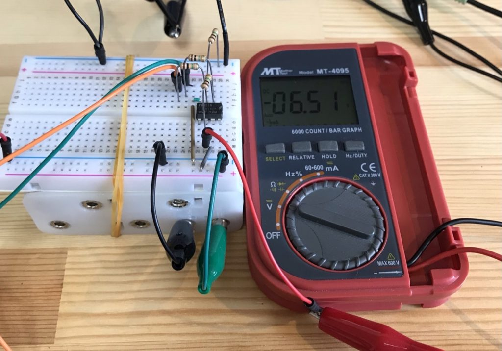 差動増幅器と電池ボックスを接続